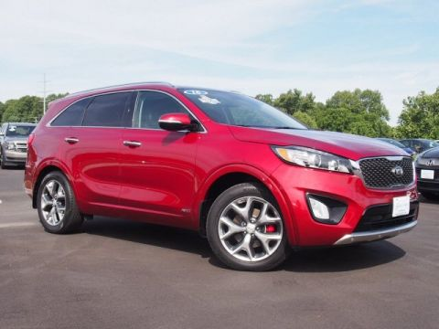 Pre-Owned 2016 Kia Sorento 3.3L SX With Navigation & AWD